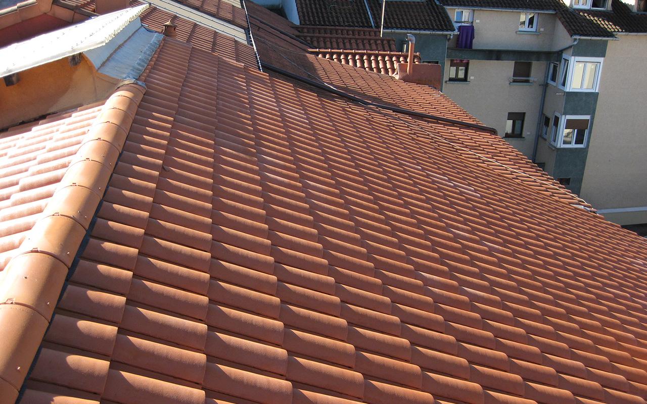 Ejecución de tejados en Zumalakarregi 12, de Pasaia