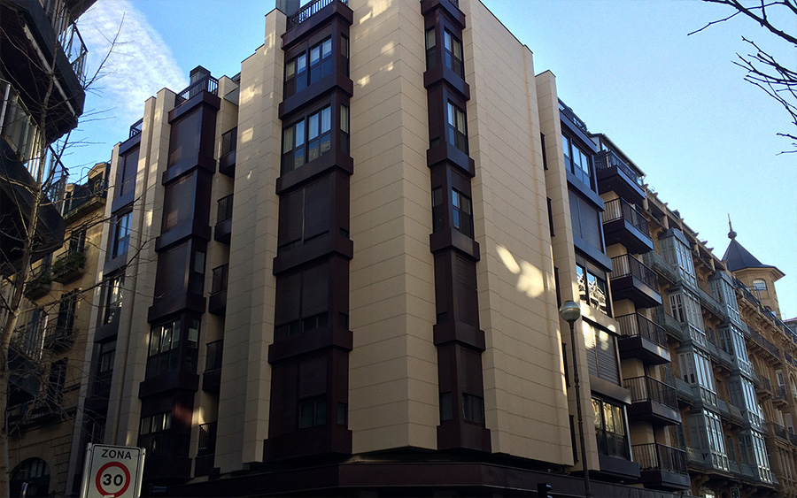 Fachada ventilada edificio Donostia
